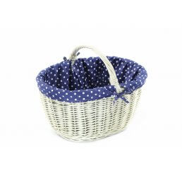 Koszyk z wikliny bielonej wyszyty